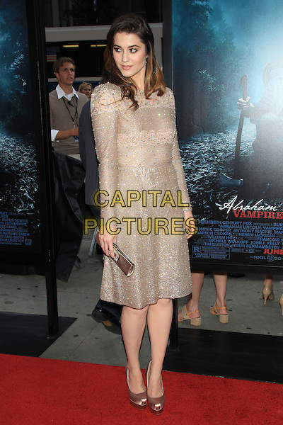 "Mary Elizabeth Winstead.The Premiere of ""Abraham Lincoln: Vampire Hunter"" at the AMC Loews Lincoln Square Cinemas, New York, NY., USA..June 18th, 2012.full length beige gold silver beads beaded sparkly dress clutch bag.CAP/LNC/TOM.©LNC/Capital Pictures."