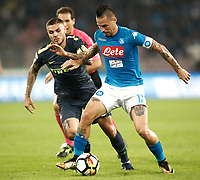 Calcio, Serie A: Napoli, stadio San Paolo, 21 ottobre 2017.<br /> Napoli's captain Marek Hamsik (r) in action with Inter's captain Mauro Icardi (l) during the Italian Serie A football match between Napoli and Inter at Napoli's San Paolo stadium, October 21, 2017.<br /> UPDATE IMAGES PRESS/Isabella Bonotto