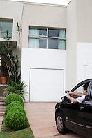 Nova Lima_MG, Brasil...Automacao Residencial de uma casa em Nova Lima, Minas Gerais...Residential automation in a house in Nova Lima, Minas Gerais...Foto: JOAO MARCOS ROSA  /NITRO..