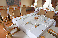 restaurant table chateau la garde pessac leognan graves bordeaux france
