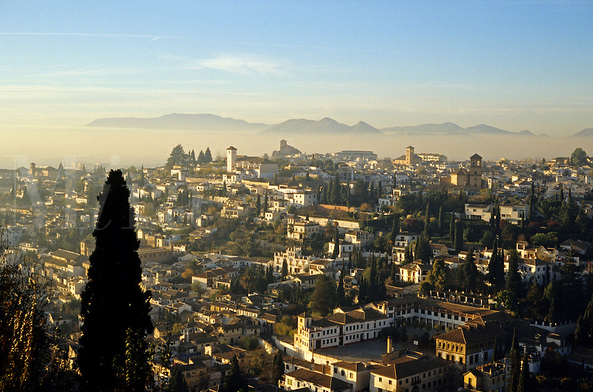 Spain. Granada. The Albaicin.  Andalusia/Andalucia. The hillside opposite the Alhambra, where the Moors retreated after the Christians re-conquered the city.  Now a prosperous residential area on the right bank of the River Darro, dominated by the Church of St. Nicolas..