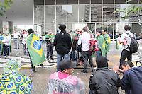 SAO PAULO, SP,26 de junho 2013-Manifestantes que estão na Câmara são comerciantes da Feira da Madrugada. Eles já percorreram diversas vias do Centro. Eles prometem uma nova passeata amanhã, com término em frente ao Ministério Publico. O protesto de hoje deve ser encerrado na Camara.   ADRIANO LIMA / BRAZIL PHOTO PRESS).