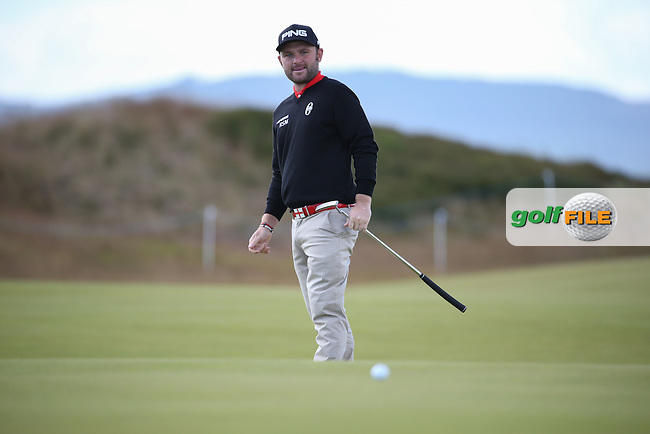 Andy Sullivan (ENG) putting across the 16th green during the First Round of the 2016 Aberdeen Asset Management Scottish Open, played at Castle Stuart Golf Club, Inverness, Scotland. 07/07/2016. Picture: David Lloyd   Golffile.<br /> <br /> All photos usage must carry mandatory copyright credit (&copy; Golffile   David Lloyd)