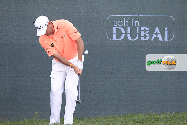 LEE WESTWOOD (ENG) chips onto the 18th green during Pink Friday's Round 2 of the 2015 Omega Dubai Desert Classic held at the Emirates Golf Club, Dubai, UAE.: Picture Eoin Clarke, www.golffile.ie: 1/30/2015