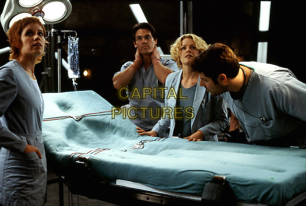 Kim Dickens, Josh Brolin, Elisabeth Shue & Greg Grunberg.in Hollow Man  .*Filmstill - Editorial Use Only*.CAP/NFS.Supplied by Capital Pictures.