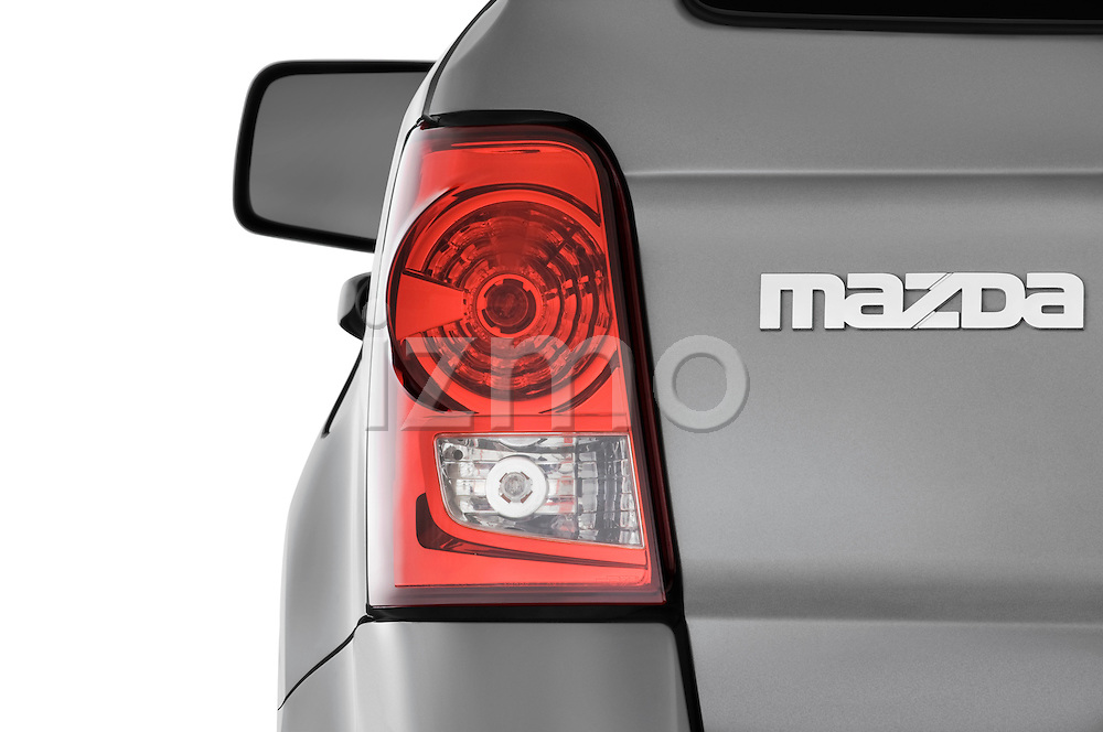 Tail light close up detail view of a 2009 Mazda Tribute Hybrid