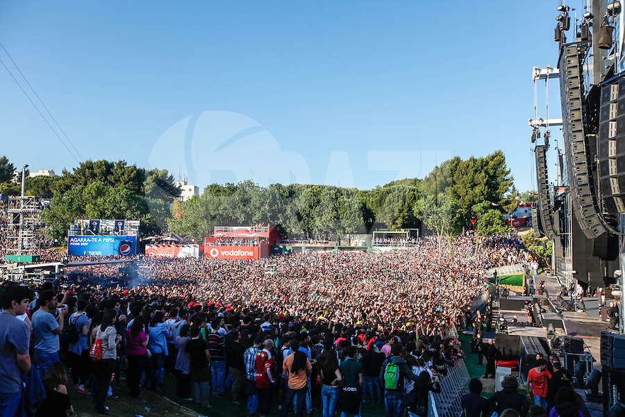 LISBOA, PORTUGAL, 26 MAIO 2012 -  ROCK IN RIO LISBOA - Publico no palco Mundo, no segundo dia do Rock In Rio Lisboa na cidade do Rock, em Lisboa Portugal. (FOTO: WILLIAM VOLCOV / BRAZIL PHOTO PRESS).