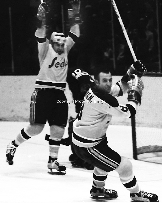 Seals goal, Gary Croteau and Gerry  Ehman.<br />(1970 photo/Ron Riesterer)
