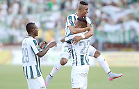 MEDELLÍN -COLOMBIA, 27-09-2015: Gilberto Garcia (#22) jugador de Atlético Nacional celebra con sus con sus compañeros el segundo gol anotado a Boyacá Chicó FC durante partido por la fecha 14 de la Liga Aguila I 2015 jugado en el estadio Atanasio Girardot de la ciudad de Medellín./ Gilberto Garcia (R) player of Atletico Nacional  celebrates scoring his team's second goal to Boyaca Chico FC during the match for the  date 14 of the Aguila League I 2015 at Atanasio Girardot stadium in Medellin city. Photo: VizzorImage/León Monsalve/STR