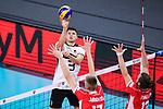 16.09.2019, Lotto Arena, Antwerpen<br />Volleyball, Europameisterschaft, Deutschland (GER) vs. …sterreich / Oesterreich (AUT)<br /><br />Angriff Ruben Schott (#3 GER) - Block / Doppelblock MathŠus / Mathaeus Jurkovics (#17 AUT), Maximilian Thaller (#13 AUT)<br /><br />  Foto © nordphoto / Kurth