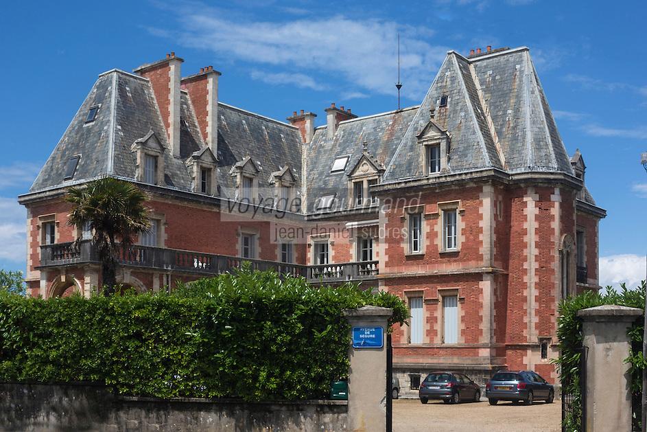 France, Aquitaine, Pyrénées-Atlantiques, Pays Basque, Biarritz:  le Château Gramont dans le quartier Saint-Martin  //  France, Pyrenees Atlantiques, Basque Country, Biarritz: Château Gramont, Saint-Martin district
