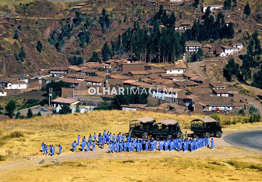 treinamento de soldados em Cusco na Cordilheira dos Andes, Perú. Foto de Juca Martins. Data: 1994
