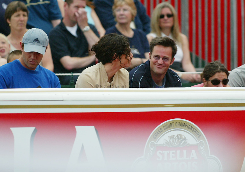 Photograph: Scott Heavey..Day 2 of the Stella Artois Championship at the Queens Club. 10/06/2003..Minnie Driver, Matthew Perry