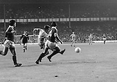 26/08/1980 Everton v Blackpool League Cup 2nd Round 1st Leg .Daver Hockaday shoots under pressure from Billy Wright....© Phill Heywood.