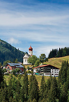 Austria, Vorarlberg, Damuels: popular resort at Bregenzerwald with parish church St. Nikolaus | Oesterreich, Vorarlberg, Damuels: beliebter Urlaubsort im Bregenzerwald mit Pfarrkirche St. Nikolaus