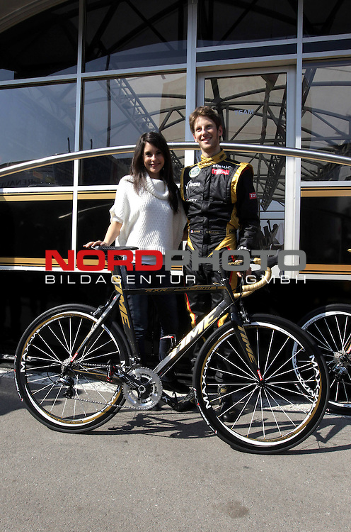 Romain Grosjean (FRA) Lotus Renault F1 Team -  Girlfriend - Marion Jolles (FRA). <br />   Foto &copy; nph / Polepositon<br /> *** GER and CRO only ***** *** Local Caption ***