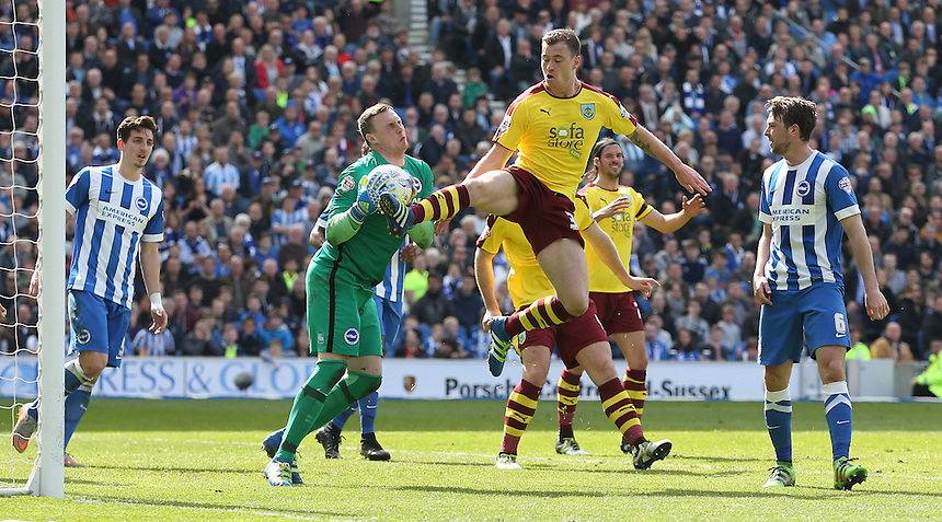 Burnley's Ashley Barnes is foiled by Brighton's David Stockdale<br /> <br /> Photographer Rob Newell/CameraSport<br /> <br /> Football - The Football League Sky Bet Championship - Brighton and Hove Albion v Burnley - Saturday 2nd April 2016 - American Express Community Stadium - Brighton<br /> <br /> &copy; CameraSport - 43 Linden Ave. Countesthorpe. Leicester. England. LE8 5PG - Tel: +44 (0) 116 277 4147 - admin@camerasport.com - www.camerasport.com
