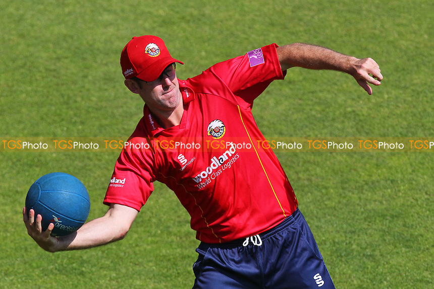 David Masters of Essex warms up ahead of Hampshire vs Essex Eagles, Royal London One-Day Cup Cricket at the Ageas Bowl on 5th June 2016
