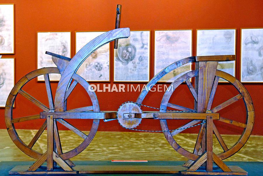 Exposição Leonardo da Vinci - A exibição de um gênio. Bicicleta. Foto de Manuel Lourenço.