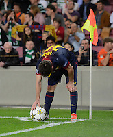 FUSSBALL   INTERNATIONAL   CHAMPIONS LEAGUE   2012/2013      FC Barcelona - Celtic FC Glasgow       23.10.2012 Lionel Messi (Barca) legtsich den Ball zum Eckball zurecht