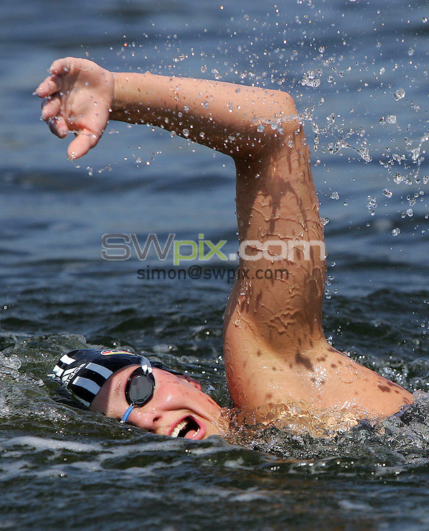 PICTURE BY VAUGHN RIDLEY/SWPIX.COM -  Swimming - Festival of Open Water Swimming - London Regatta Centre, Royal Albert Docks - London, England - 24-25/06/06...? Simon Wilkinson - 07811 267706...Gina Mohr of Germany competes in the LEN Open Water Cup/British Open Water Championship Race.