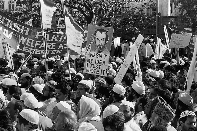 """Islamist demonstration against writer Salman RUSHDIE, after the publication of his book """"The Satanic Verses """",  London, UK, May 1989"""