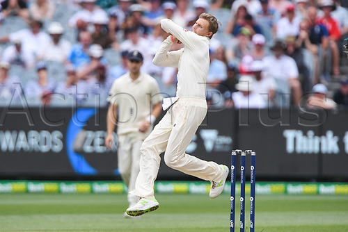 30th December 2017, Melbourne Cricket Ground, Melbourne, Australia; The Ashes Series, fourth test, day 5, Australia versus England; Joe Root of England bowling