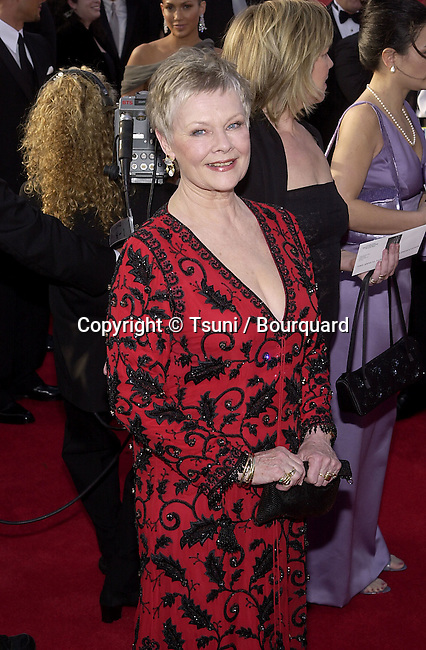 Judi Dench arrives for the 73rd Annual Academy Awards at the Shrine Auditorium in Los Angeles, Sun. March 25, 2001. © Tsuni          -            DenchJudi12.jpg