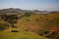Viana_ES, Brasil...Trecho da antiga Rota Imperial, conhecida como Estrada Dom Pedro de Alcantra...Ancient Rota Imperial, know as Dom Pedro de Alcantara road...Foto: LEO DRUMOND / NITRO