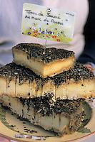 Europe/France/73/Savoie/Val d Isere: Tomme de Savoie affinée au Marc de Savoie - Tomme au Marc de raisin -Epicerie fine fromagerie Scaraffioti