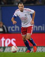 USSBALL   1. BUNDESLIGA    SAISON 2012/2013    10. Spieltag   Hamburger SV - FC Bayern Muenchen                    03.11.2012 Heiko Westermann (Hamburger SV) Einzelaktion am Ball