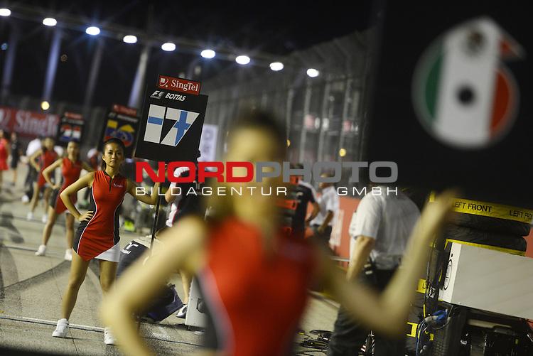 19.-22.09.2013, Marina-Bay-Street-Circuit, Singapur, SIN, F1, Grosser Preis von Singapur, Singapur, Singapore GP Impressions - Grid Girls<br />  Foto &copy; nph / Mathis