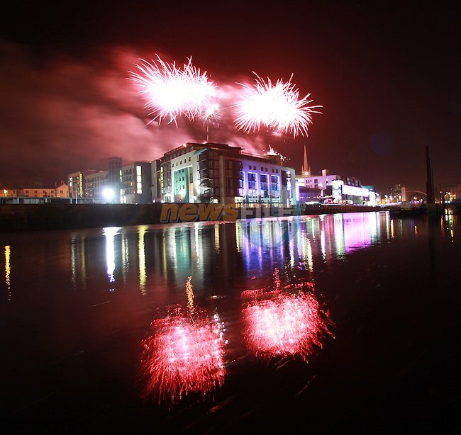 Funtasia Firework Spectacular over the d Hotal and Scotch Hall finishing up the Drogheda Christmas Bonanza..Picture: Fran Caffrey/ www.newsfile.ie.