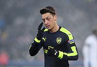 FUSSBALL CHAMPIONS LEAGUE SAISON 2016/2017 GRUPPENPHASE FC Basel - Arsenal London            06.12.2016 Mesut Oezil (Arsenal) nachdenklich