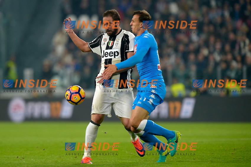 Gonzalo Higuain Juventus, Vlad Chiriches Napoli <br /> Torino 29-10-2016 Juventus Stadium Football Calcio Serie A 2016/2017 Juventus - Napoli . Foto Filippo Alfero Insidefoto