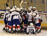06.01.2020, BLZ Arena, Füssen / Fuessen, GER, IIHF Ice Hockey U18 Women's World Championship DIV I Group A, <br /> Frankreich (FRA) vs Italien (ITA), <br /> im Bild nach der Schlusssirene stuermen die franzoesischen Spielerinnen auf ihre Torhueterin Sabrina Roger (FRA, #20) zu<br /> <br /> Foto © nordphoto / Hafner