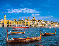 Malta, Vittoriosa: St.-Lorenzo-Quai mit dem Arsenal / Naval Bakery (heute Marinemuseum). Dahinter die St. Lorenzo Kirche und die Annunciations Kirche | Malta, Vittoriosa: St.-Lorenzo-Quai with Naval Bakery (todays Marine Museum). Behind St. Lorenzo church and Annunciation church