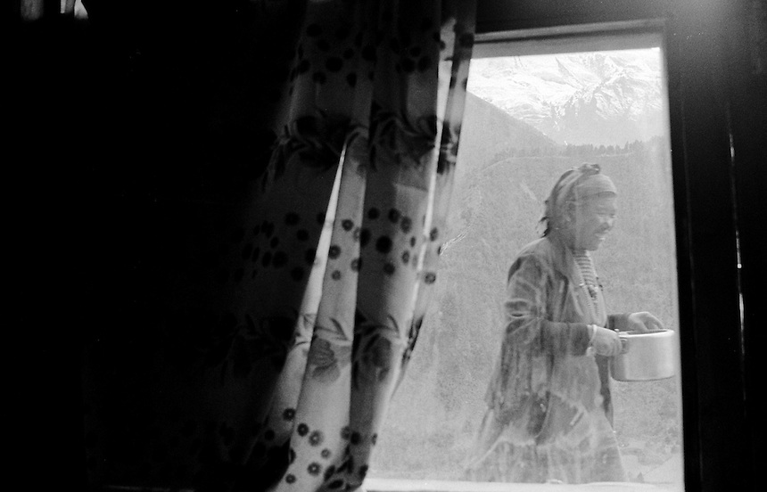 Upper Pishang, Annapurna Himal, Nepal, 2008. Photo: Ed Giles.