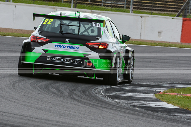 Darren Goes - Mangoes Racing SEAT Leon Cup