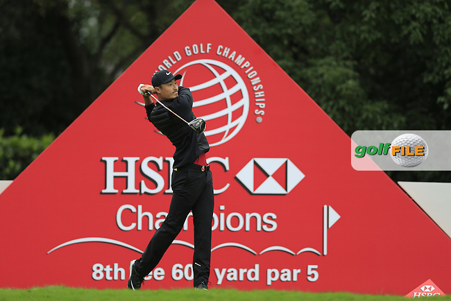 Li Haotong (CHN) on the 8th during round 3 of the WGC-HSBC Champions, Sheshan International GC, Shanghai, China PR.  29/10/2016<br /> Picture: Golffile | Fran Caffrey<br /> <br /> <br /> All photo usage must carry mandatory copyright credit (&copy; Golffile | Fran Caffrey)
