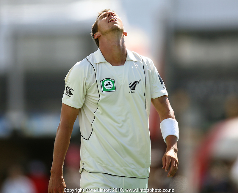 NZ bowler Brent Arnel shows his frustration after conceding a boundary during day two of the 1st cricket test match between the New Zealand Black Caps v Australia, day two at the Basin Reserve, Wellington, New Zealand on Saturday, 20 March 2010. Photo: Dave Lintott / lintottphoto.co.nz