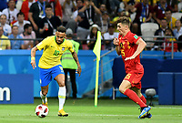 KAZAN - RUSIA, 06-07-2018: NEYMAR (Izq) jugador de Brasil disputa el balón con Thomas MEUNIER (Der) jugador de Bélgica durante partido de cuartos de final por la Copa Mundial de la FIFA Rusia 2018 jugado en el estadio Kazan Arena en Kazán, Rusia. / NEYMAR (L) player of Brazil fights the ball with Thomas MEUNIER (R) player of Belgium during match of quarter final for the FIFA World Cup Russia 2018 played at Kazan Arena stadium in Kazan, Russia. Photo: VizzorImage / Julian Medina / Cont
