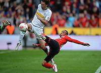 FUSSBALL   1. BUNDESLIGA  SAISON 2012/2013   4. Spieltag Bayer 04 Leverkusen - Borussia Moenchengladbach      23.09.2012 Roel Brouwers (li, Borussia Moenchengladbach) gegen Sidney Sam (Bayer 04 Leverkusen)