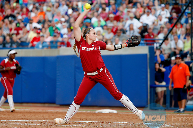 07 JUNE 2016:  Oklahoma starting pitcher/relief pitcher Jayden Chestnut (7) throws a pitch during the Division I Women's Softball Championship is held at ASA Hall of Fame Stadium in Oklahoma City, OK.  Shane Bevel/NCAA Photos