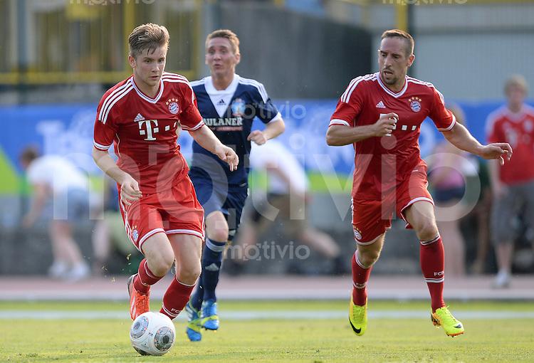 FUSSBALL  1. Bundesliga   2013/2014   Testspiel  FC Bayern Muenchen - Paulaner Traumelf      05.07.2013 Patrick Weihrauch (li, FC Bayern Muenchen) am Ball und Franck Ribery (FC Bayern Muenchen)