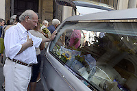 Roma 18 Agosto 2012.Basilica di Santa Maria in Trastevere.Funerali di don Bruno Nicolini il prete amico dei Rom e Sinti.Fondatore dell'Opera Nomadi e del Centro studi zingari