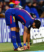 7th January 2018, Camp Nou, Barcelona, Spain; La Liga football, Barcelona versus Levante; Luis Suarez tries to ease a cramp