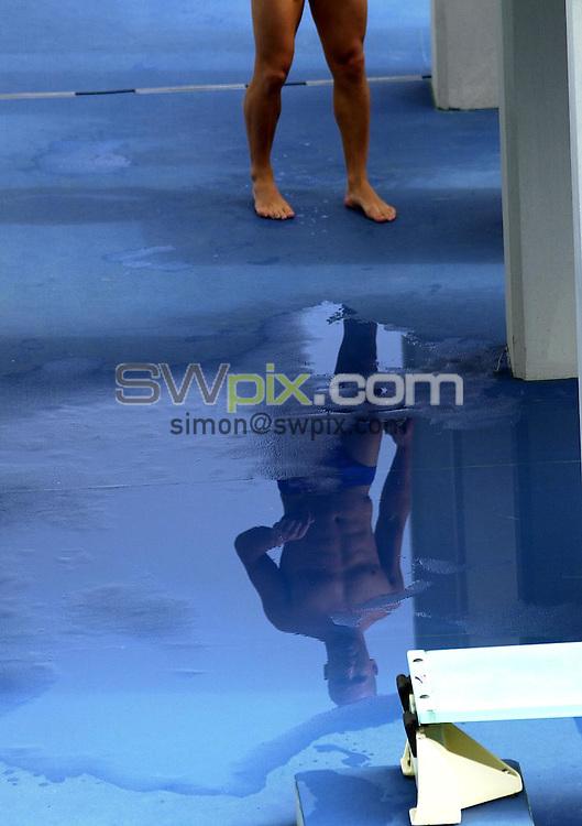 Pix: Matthew Lewis/SWpix.com. Diving. 10th Fina World Championships 2003, Barcelona. 15/07/2003...COPYRIGHT PICTURE>>SIMON WILKINSON>>01943 436649>>..Great Britain's MArk Shipman performs in the Mens 3m Springboard preliminary's.