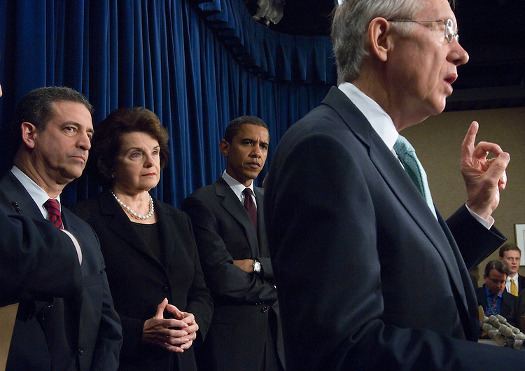 01/18/07--Sen. Russ Feingold, D-Wis., Sen. Dianne Feinstein, D-Calif., Sen. Barack Obama, D-Ill., and Senate Majority Leader Harry Reid, D-Nev., during a news conference on the ethics and lobbying bill being considered in the Senate. Senate leaders have been unable to untie the political and parliamentary knot stalling passage of the most extensive ethics and lobbying overhaul since Watergate. Angry Democrats, who lost a critical vote Wednesday night that would have shut off debate on the bill (S 1), denounced a Republican filibuster that was aimed at forcing them to allow a vote on a non-germane amendment granting the president line-item rescission power. The Democrats threatened political retribution in 2008 Senate elections and declared that the line-item proposal would never get a vote if Republicans keep trying to attach it to the ethics and lobbying bill. Congressional Quarterly Photo by Scott J. Ferrell