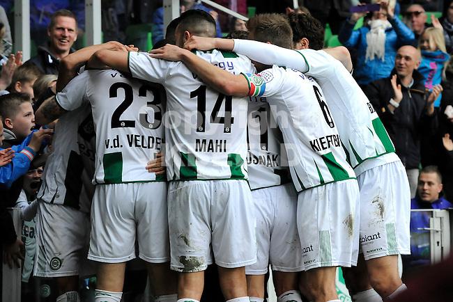 GRONINGEN - Voetbal, FC Groningen - SC Cambuur, Eredivisie, Euroborg, seizoen 2014-2015, 12-04-2015,  Groningen viert de 3-2